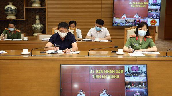 Thủ tướng triệu tập cuộc họp khẩn với 6 tỉnh biên giới Tây Nam