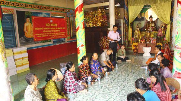 Hậu Giang tăng cường tuyên truyền về bầu cử đến đồng bào Khmer