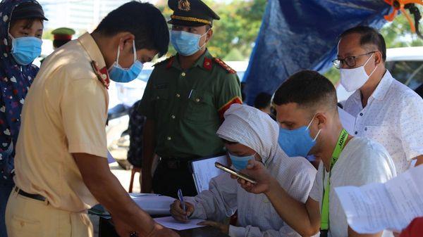 Quảng Nam lập 7 chốt kiểm soát người và phương tiện vào địa bàn