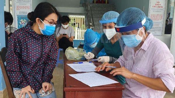 Quảng Nam dừng cách ly người về từ Đà Nẵng