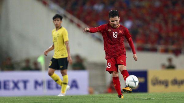 Quang Hải bị treo giò, HLV Tan Cheng Hoe mừng ra mặt