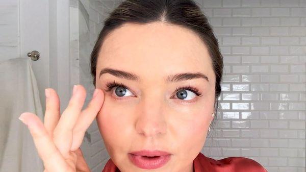 Mẹo giảm nếp nhăn ở vùng mắt