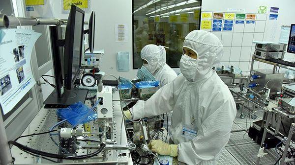 Bảo vệ an toàn người lao động, phục hồi và phát triển sản xuất