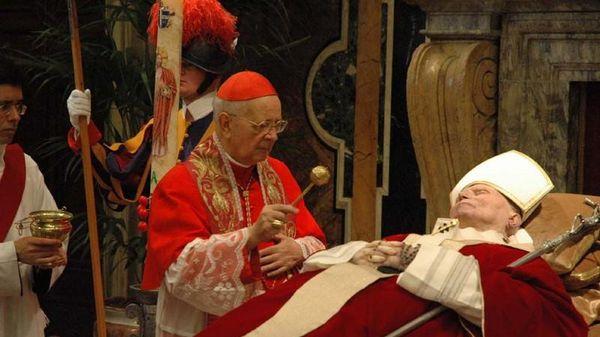 Giải mã những điều đặc biệt trong tang lễ của Đức Giáo hoàng