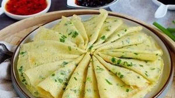 Chỉ với nguyên liệu đơn giản đã có thể làm món bánh crepe trứng hành cực ngon, bạn đã biết chưa?