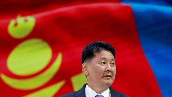 Chủ tịch nước Nguyễn Xuân Phúc gửi điện mừng tân Tổng thống Mông Cổ