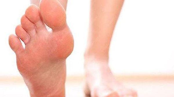 Bàn chân là bộ não thứ 2 của con người: Nếu xuất hiện 4 triệu chứng cảnh báo gan bị tổn thương