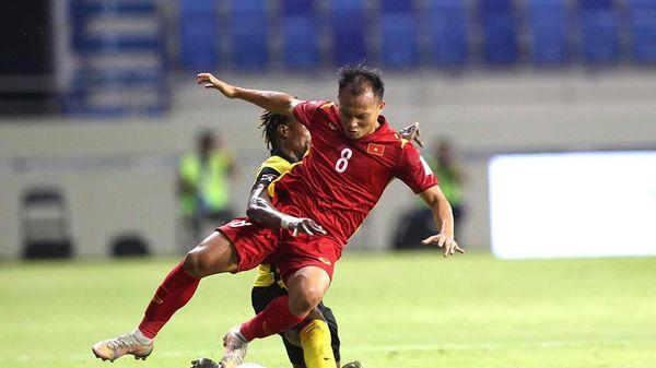 Việt Nam 1-0 Malaysia: Tấn công ghi thêm bàn thắng (H2)