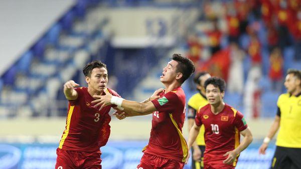 Tiến Linh và Quế Ngọc Hải lập công, Việt Nam tiến gần chiếc vé lịch sử World Cup