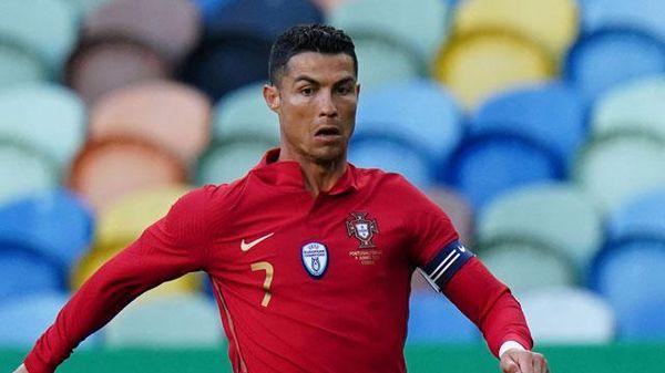 Top 10 cầu thủ lớn tuổi nhất EURO 2020: Ronaldo góp mặt