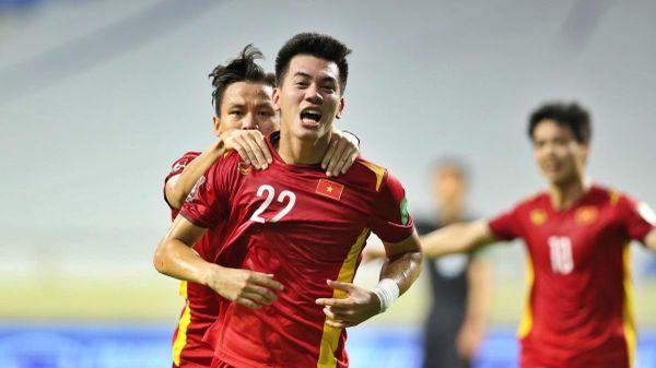 Tiến Linh và Quế Ngọc Hải ghi bàn, ĐT Việt Nam thắng kịch tính Malaysia