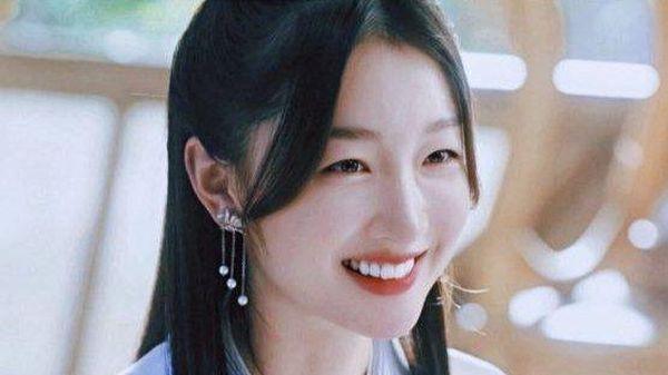 Douban 'Thiên cổ quyết trần': Châu Đông Vũ đóng 'đệ nhất mỹ nữ tiên giới' là muốn 'lòe' khán giả?