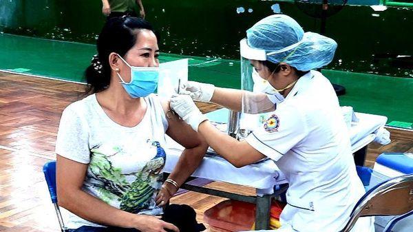 Quận 11 tiêm vaccine ngừa COVID-19 cho 1.600 người