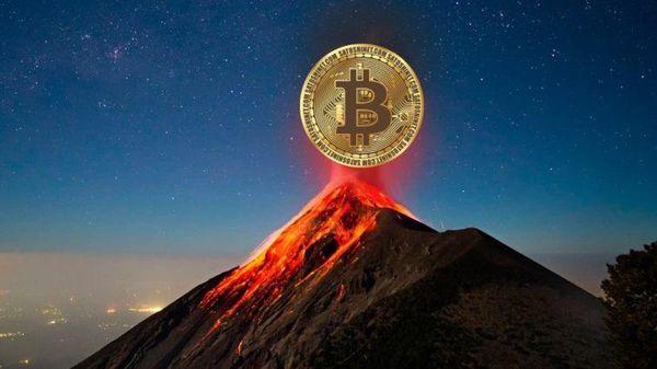 El Salvador muốn dùng núi lửa để đào Bitcoin