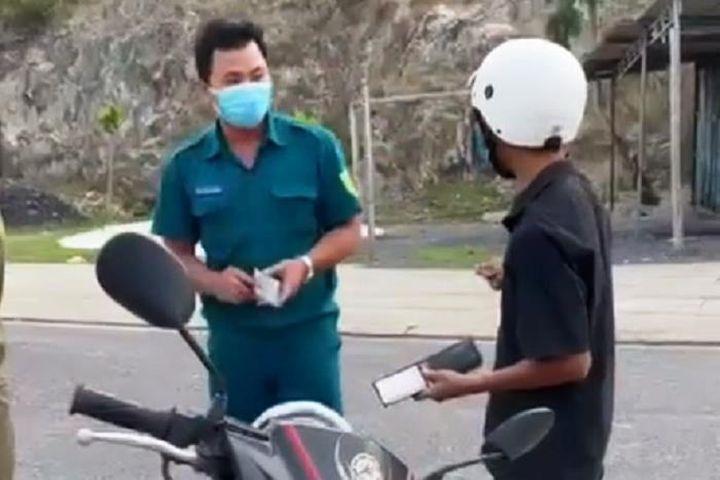 Chủ tịch TP Nha Trang xin lỗi người bị PCT phường giữ xe khi đi mua bánh mì - Báo VTC News