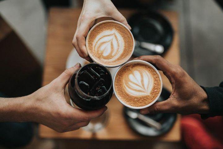 Vì sao cà phê và sữa mẹ giúp bảo vệ ta tốt hơn trước COVID-19? - Báo Pháp Luật TP.HCM