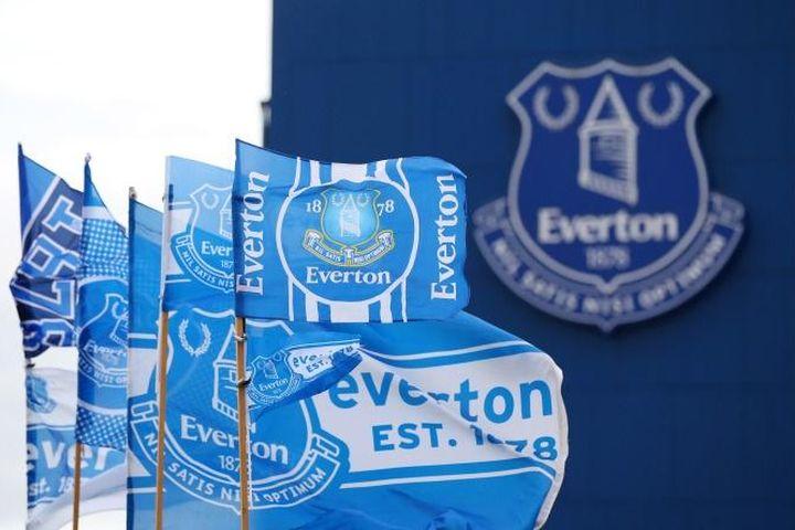 Vợ sao Everton bỏ nhà khi chồng bị bắt vì tội ấu dâm - Zing - Tri thức trực tuyến