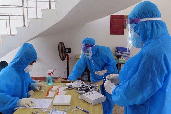Phú Yên xây dựng kế hoạch lấy mẫu, xét nghiệm hằng ngày - Báo Chính Phủ