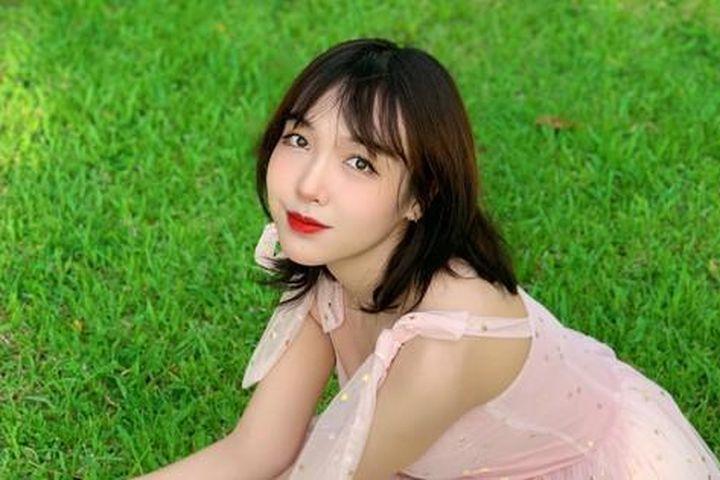 Chu Tiểu Han: Nữ sinh Báo chí nổi tiếng nhờ câu chuyện couple siêu đáng yêu - Sinh viên Việt Nam