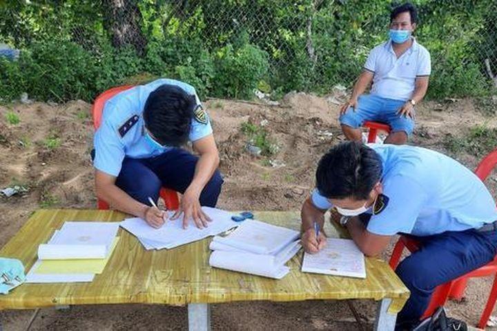 Phát hiện lô giấy ướt trị giá hơn 80 triệu đồng nghi nhập lậu - Báo Pháp Luật Việt Nam