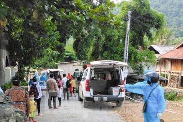 Hàng chục người đi xe máy, vượt nghìn cây số từ Đồng Nai về miền núi Nghệ An - Báo Tiền Phong