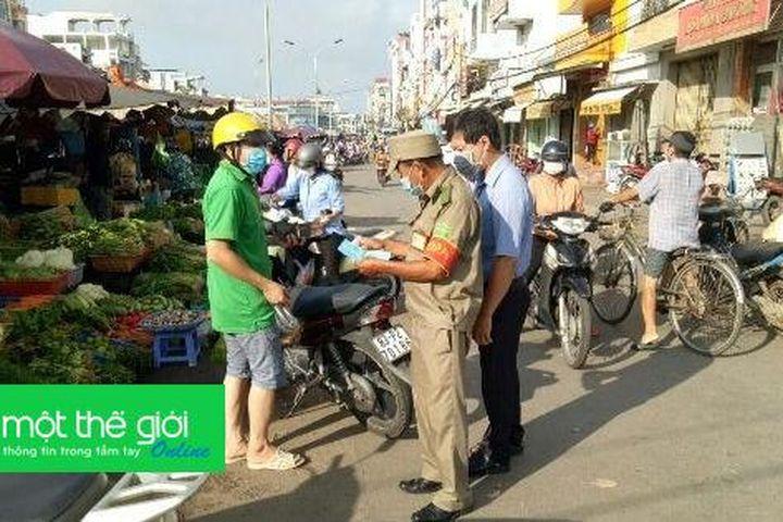 Sóc Trăng: Chợ trung tâm TP vẫn hoạt động những ngày giãn cách xã hội - Tạp chí Một Thế Giới