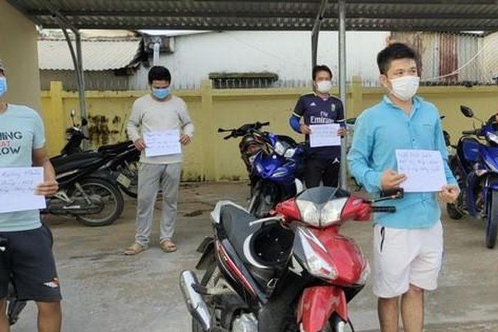 Xử phạt nhóm người tụ tập đánh bida trong lúc giãn cách xã hội - Báo Tiền Phong