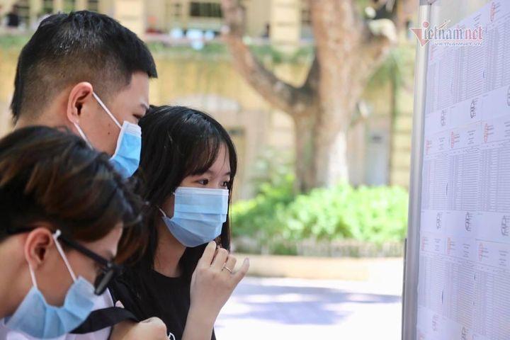 Hà Nội trả học bạ, giấy chứng nhận tốt nghiệp qua đường bưu điện - Báo VietnamNet