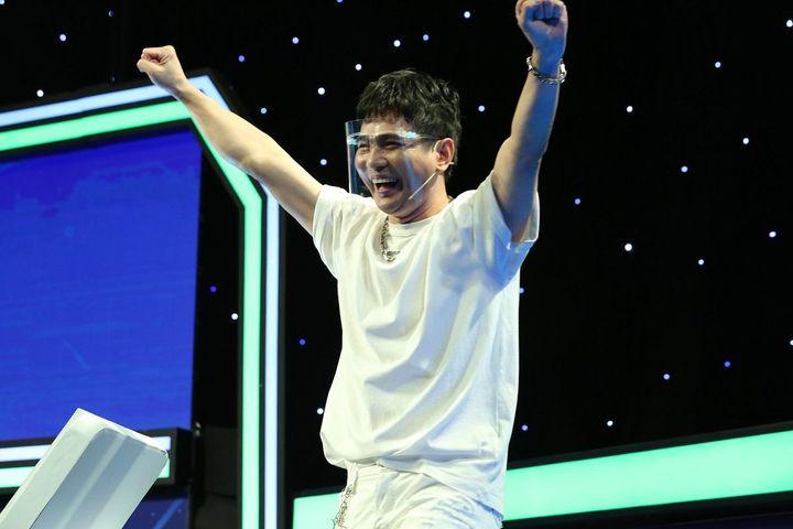 Ca sĩ Lâm Hùng từng trách ba vì thờ ơ lúc anh bệnh nặng - Báo Pháp Luật TP.HCM