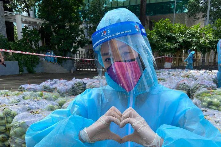 Hoa hậu Khánh Vân ngẫu hứng hát 'Cả nước không ưa em' - Zing - Tri thức trực tuyến