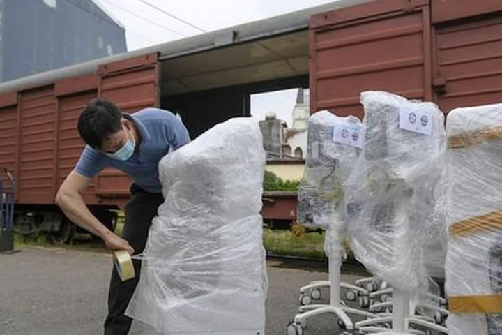 Thiết bị y tế hiện đại trang bị cho 100 giường hồi sức từ Hà Nội vào TP HCM - Báo Người Lao Động