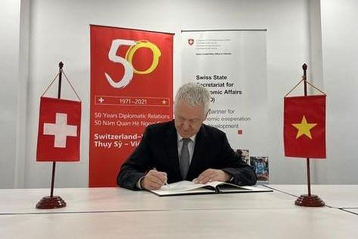 Kỷ niệm Quốc khánh Thụy Sĩ theo hình thức trực tuyến - Báo Sài Gòn Giải Phóng