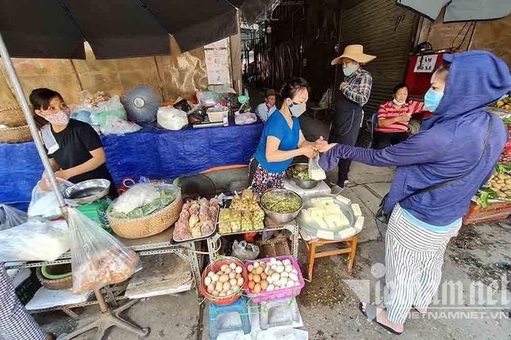 Ăn uống ngày giãn cách - Báo VietnamNet