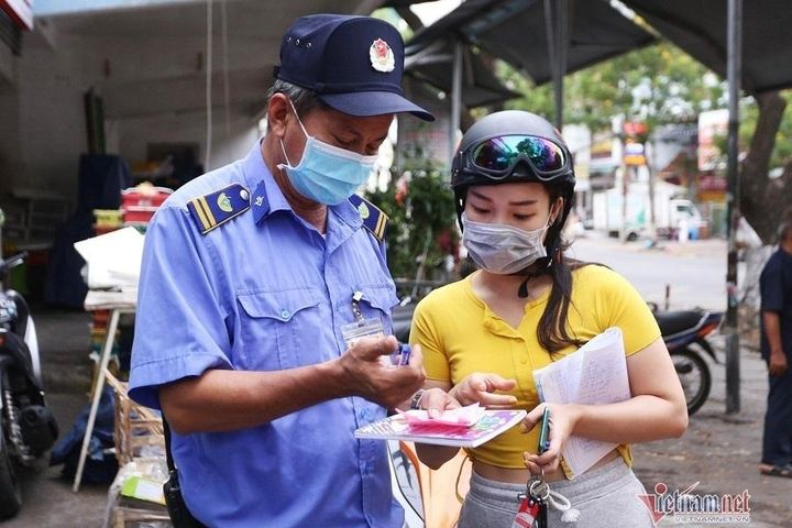Tôi đi chợ bằng thẻ QR Code - Báo VietnamNet