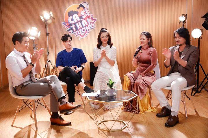 Kiều Loan ngẫu hứng hát theo 'bản sao Đan Trường' trong ca khúc 'Khi cô đơn em nhớ ai' - Báo VOV
