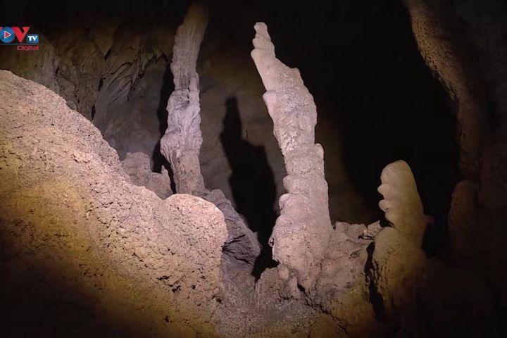 Vẻ đẹp hang động Pusamcap lôi cuốn khách du lịch - Báo VOV