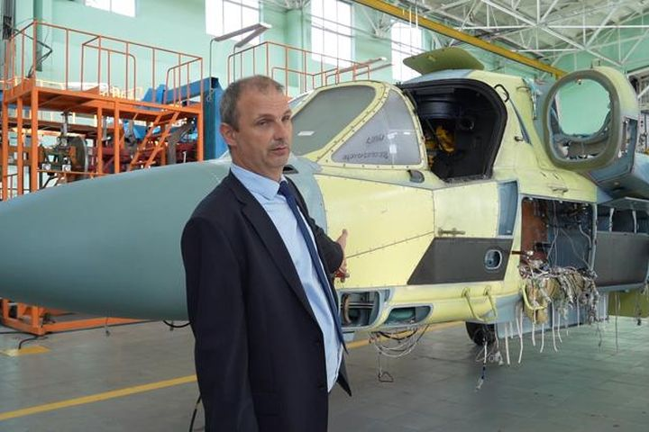 Thăm lò luyện trực thăng cá sấu của Nga - Báo Tin Tức TTXVN