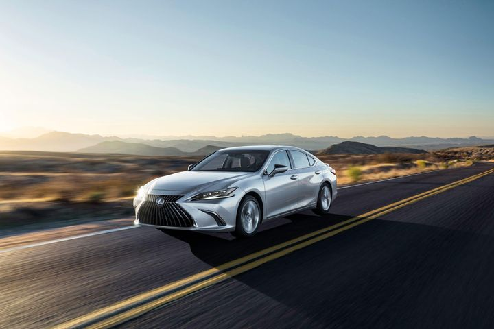 Lexus ES 2022 có giá 40.800 USD tại Mỹ - Zing - Tri thức trực tuyến