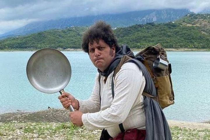 Người đàn ông chi hết gia sản để được sống như người lùn Hobbit - Báo Giáo Dục & Thời Đại