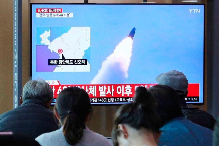 Triều Tiên bắn đạn thử sang biển Nhật Bản khi Ngoại trưởng Trung Quốc đang ở Hàn Quốc - Tạp chí Một Thế Giới