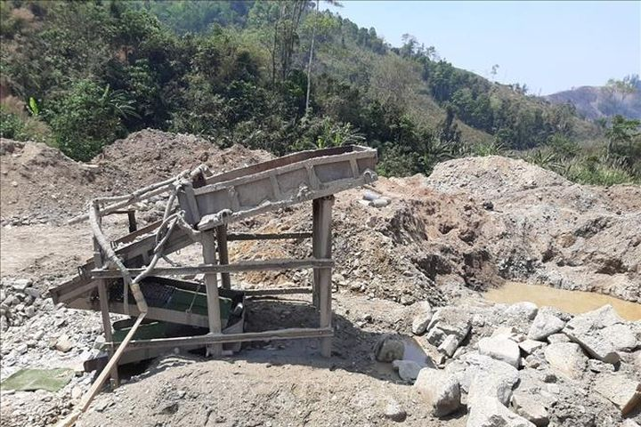 Lào Cai quyết liệt truy quét nạn khai thác vàng trái phép ở Văn Bàn - Báo Tin Tức TTXVN