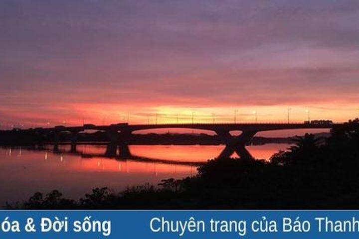 Phía bên kia cây cầu - Báo Thanh Hóa