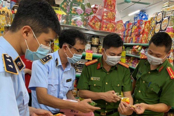 Nam Định: Thu giữ gần 300 chiếc bánh Trung thu không rõ nguồn gốc xuất xứ - Tạp chí Công thương