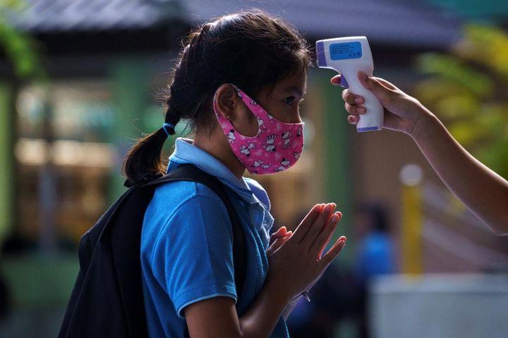Thái Lan sẽ mở cửa trở lại trường học khi 85% học sinh và giáo viên được tiêm vaccine - Báo VOV