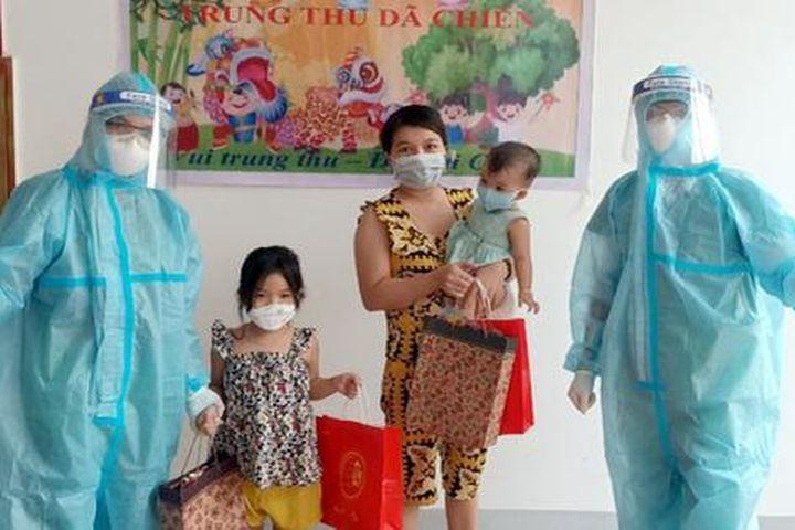 Nhịp sống bên trong Bệnh viện dã chiến số 4 ở Nghệ An - Báo Sức Khỏe & Đời Sống