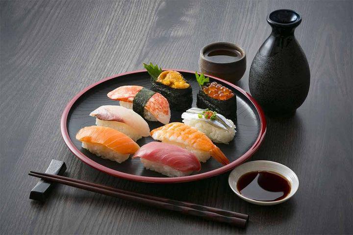Cách ăn sushi chuẩn kiểu Nhật - Zing - Tri thức trực tuyến
