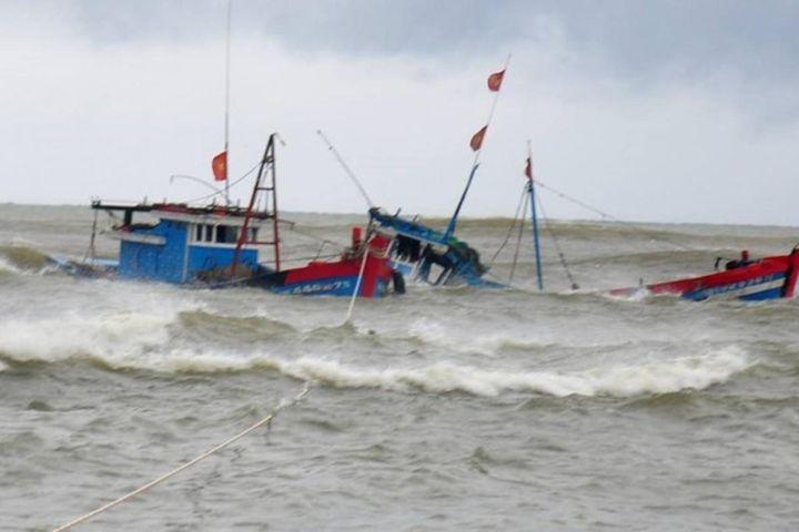Huy động hàng chục tàu cá tìm kiếm 2 ngư dân mất tích - Zing - Tri thức trực tuyến