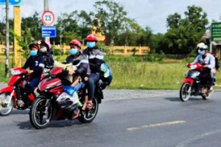 3 tỉnh tiếp tục đón hàng trăm người chạy xe máy về quê - Zing - Tri thức trực tuyến