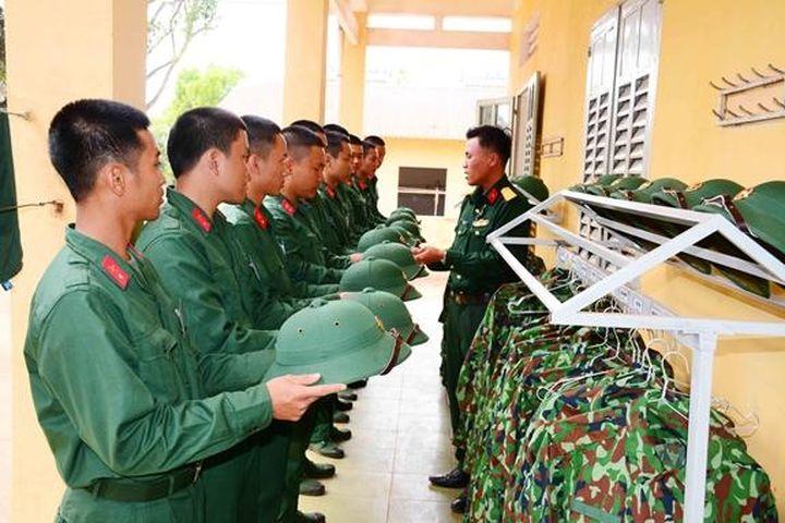 Thời gian nghĩa vụ quân sự trước tuyển dụng không tính để nâng lương - Báo Chính Phủ