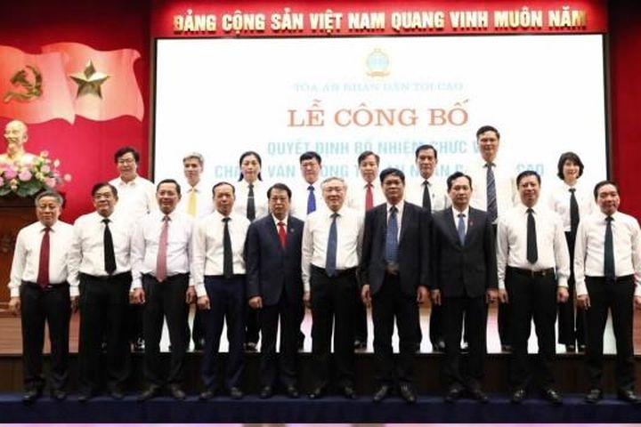 Trao quyết định chuẩn y Bí thư Đảng ủy; bổ nhiệm Chánh Văn phòng TANDTC - Báo Chính Phủ